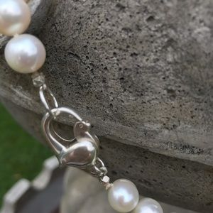 Jewelry - Beautiful Freshwater Pearl knotted Necklace